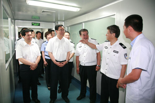 孟部长视察宁夏公安厅DNA实验室